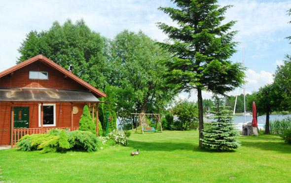 Nocleg Mazury - domek nad jeziorem z własna linią brzegową